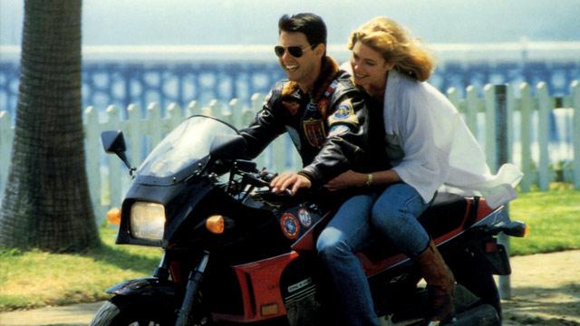 カッコ良いサングラスでバイクに乗りたい!何か良いサングラスある?のサムネイル画像