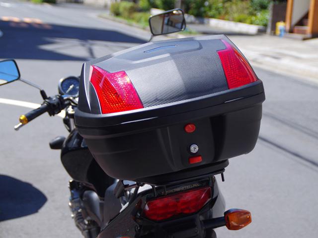 バイクの収納力アップに!おすすめのリアボックスを紹介します!のサムネイル画像