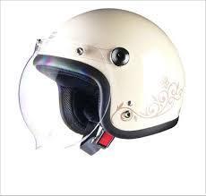 ジェットヘルメットのシールドって便利?どんなものがあるの?のサムネイル画像