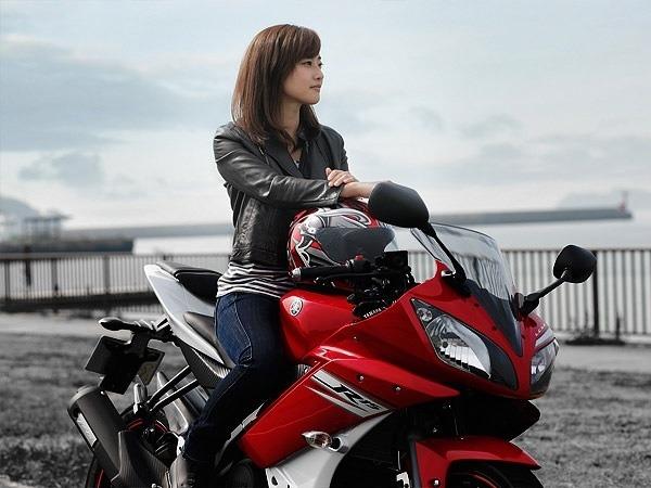 女性ライダー必見!ヘルメットを被ってもカワイイが続く髪型って?のサムネイル画像