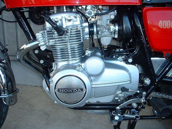 錆びたエンジンじゃカッコ悪い!バイクのエンジン塗装テクニックのサムネイル画像