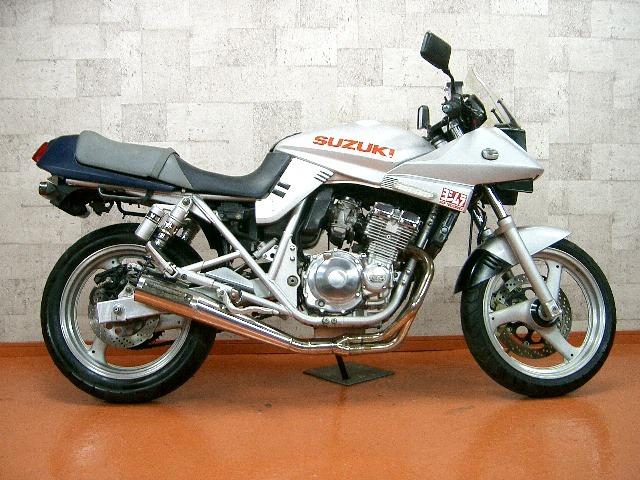 往年の名車!1999年に販売終了したスズキ・カタナ250を調査!のサムネイル画像