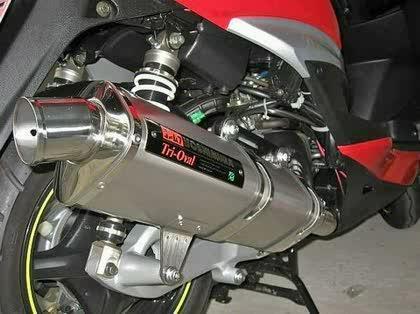 必見!125ccバイクに人気のマフラーメーカーをまとめてみましたのサムネイル画像