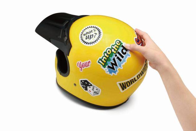 ヘルメットにステッカーを貼っておしゃれにカスタマイズしよう!のサムネイル画像