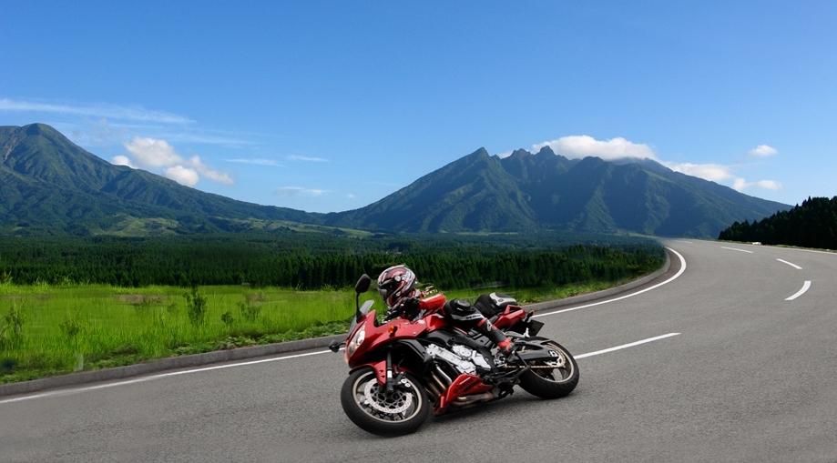 バイクの季節がやってきた!夏のツーリング用バイクジャケットまとめのサムネイル画像