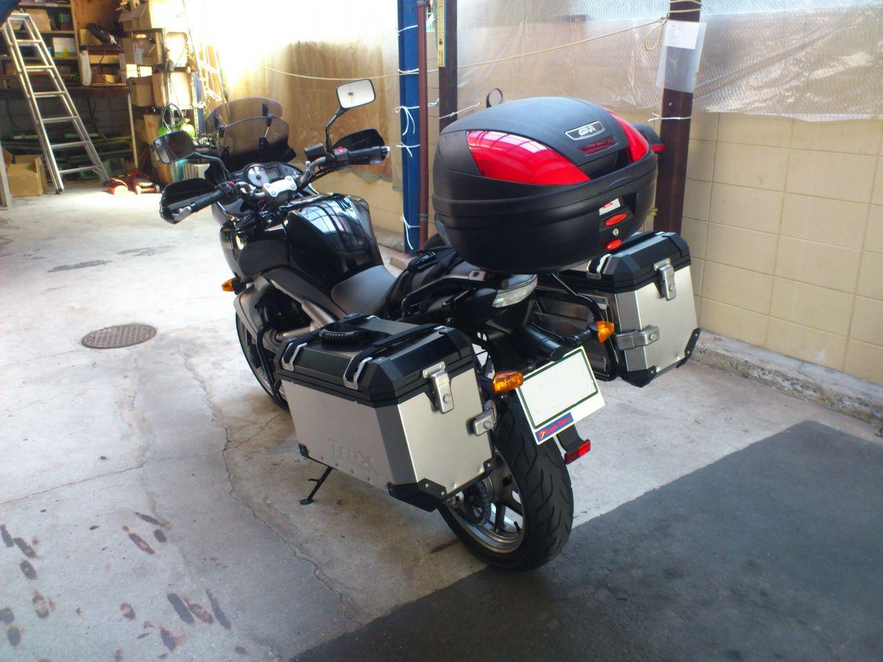 あなたのバイクに新しい収納力を!トップケースをご紹介します!のサムネイル画像