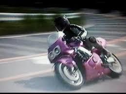 走り屋ってなに?バイクや車をどんなふうに走らせている人のこと?のサムネイル画像