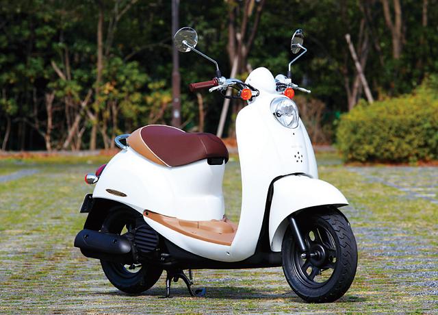 自由で手軽な乗り物・50cc原付スクーターデビューしませんか?のサムネイル画像