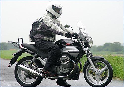 【おすすめ】バイク用レインウェアの購入を検討している方へ【定番】のサムネイル画像
