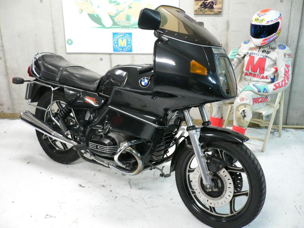 生産台数控えめのモノサス仕様!BMW R100RSについて徹底調査のサムネイル画像