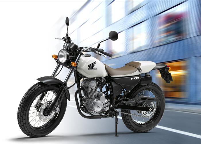 オシャレで実用性のある人気のバイク!ホンダのFTRをCHECK!のサムネイル画像