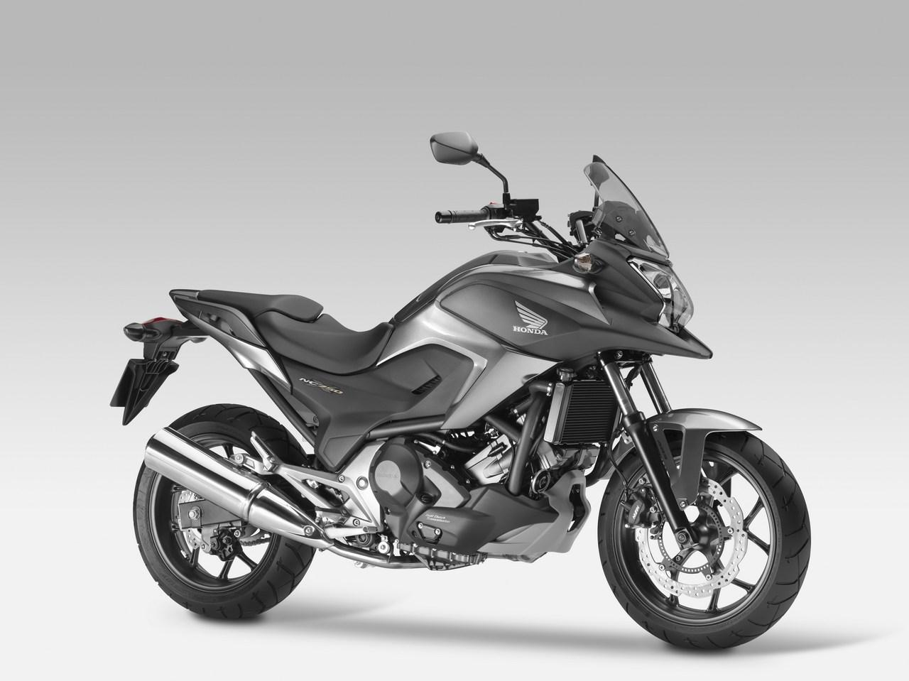 大型バイク初心者にもおすすめ!ちょうどいいがウリのホンダ・NC750Xのサムネイル画像