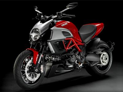 大人気のバイクメーカードゥカティのディアベルを徹底解剖!!のサムネイル画像