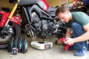 みなさん、バイクのエンジンオイルについてどこまで知ってますか?の画像