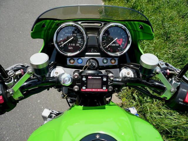 バイクのハンドル交換してますか?自分に合わせたハンドル交換を!のサムネイル画像