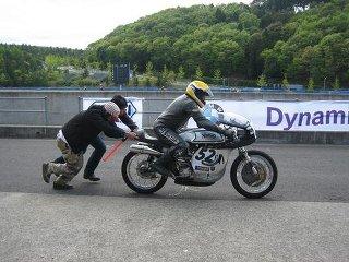 バイクの押しがけが出来るようになりたい?大丈夫!押しがけは勢い!のサムネイル画像