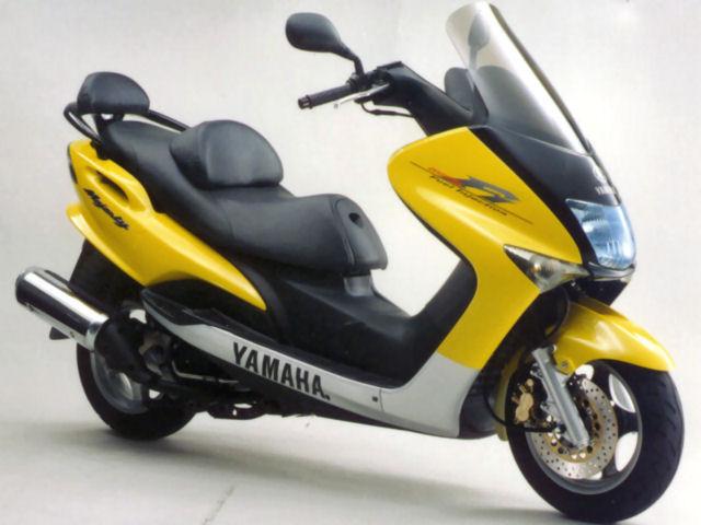 台湾からの逆輸入!ヤマハ・マジェスティ125とは、どんなバイク?のサムネイル画像