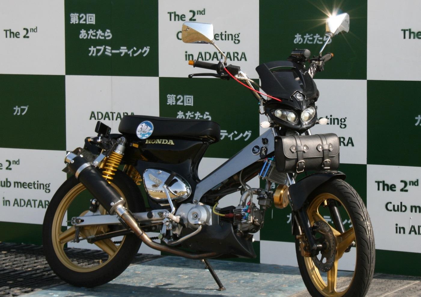日本のTHEお仕事バイク!長年愛されるカブ110をカスタム!!のサムネイル画像