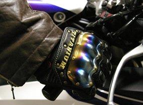 寒さ対策のための必需品!バイクの防寒グローブをご紹介します!のサムネイル画像