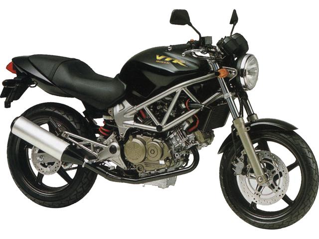 ホンダのネイキッドスポーツバイク VTR250の燃費を調べましたのサムネイル画像