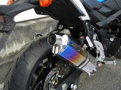 スズキのネイキッドスポーツバイク・GSR750のマフラーまとめのサムネイル画像