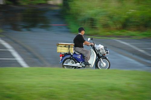 スーパーカブの走る仕組みや乗り方、豆知識をまとめました!のサムネイル画像