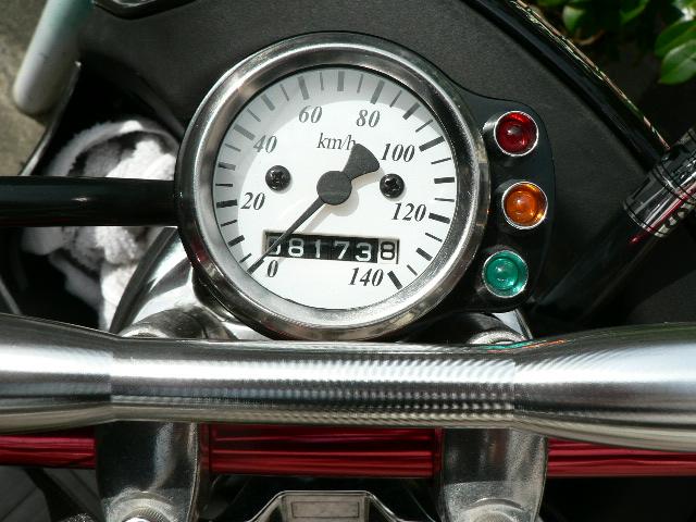 バイクのスピードメーターを交換!バイク用スピードメーターをご紹介のサムネイル画像