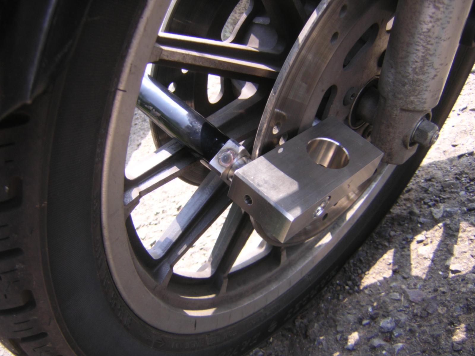 あなたの大切な「相棒」を守ります。バイクを守るディスクロック!のサムネイル画像
