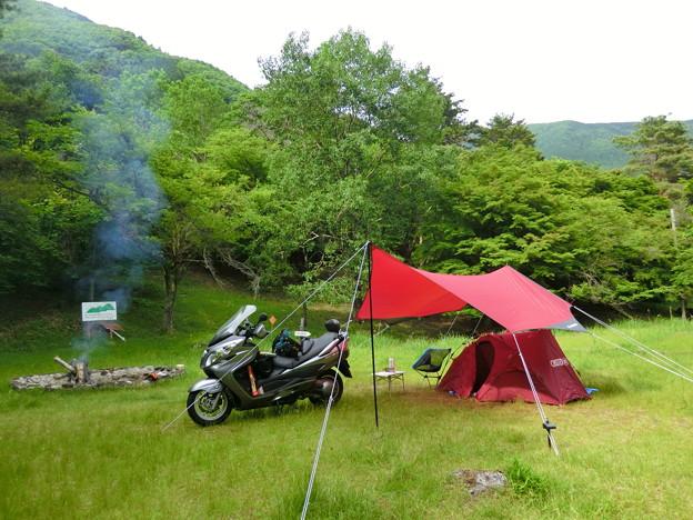 これからシーズンまっさかり!テントを積んでツーリングに出かけようのサムネイル画像