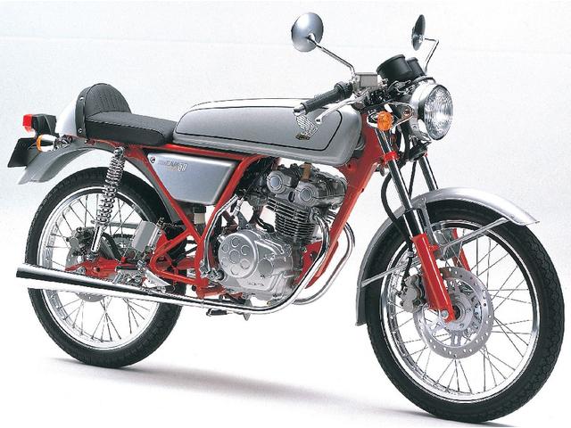 独特のスタイリングで人気!ホンダのドリーム50ってどんなバイク?のサムネイル画像