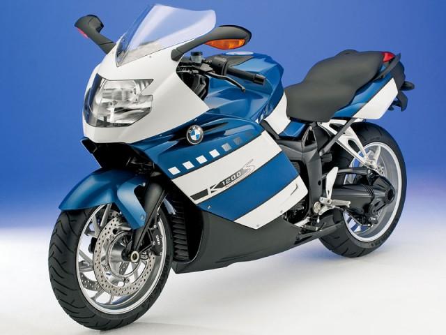 高級車でカッコイイ大人に人気のバイク!BMWのK1200SをCHECK!のサムネイル画像
