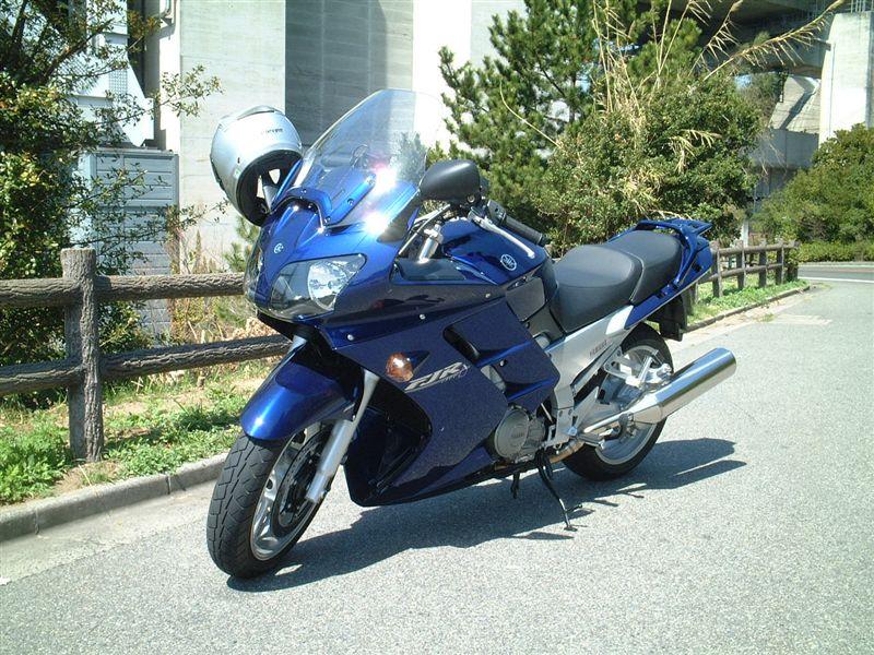 日本の警察にも導入!ヤマハ FJR1300を中古購入する為の基礎知識!のサムネイル画像