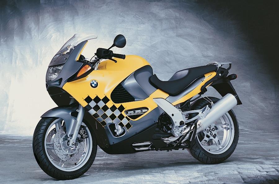 高級車でカッコイイ大人に人気のバイク!BMWのK1200RSをCHECK!のサムネイル画像