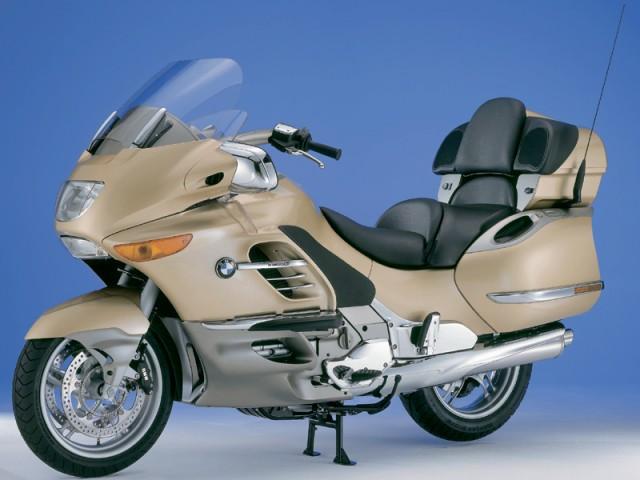 高級車でカッコイイ大人に人気のバイク!BMWのK1200LTをCHECK!のサムネイル画像