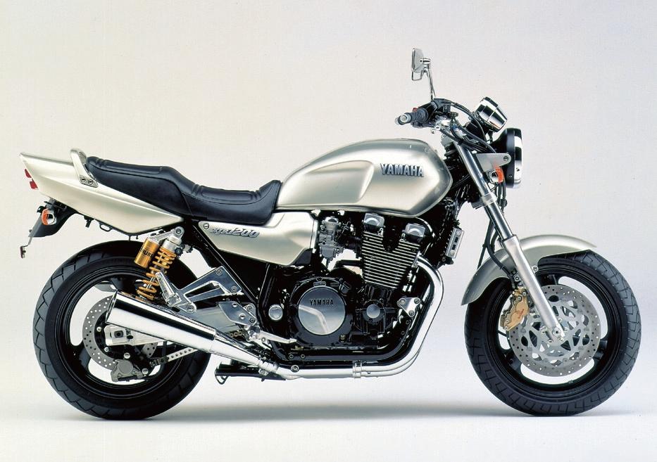 XJR1200を中古で購入するする方必見!中古XJR1200の基礎知識!のサムネイル画像