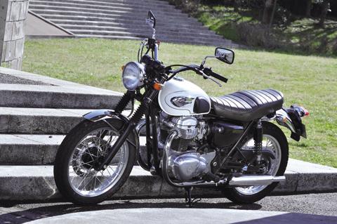 Kawasaki W800の評価は?!インプレッションから見るまとめ。のサムネイル画像
